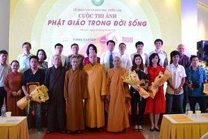 Trao giải và khai mạc triển lãm cuộc thi ảnh 'Phật giáo trong đời sống'