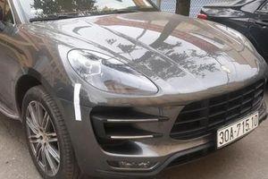 Truy tìm lái xe Porsche trùng biển số bị phát hiện tại khu đô thị Times City