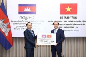 Việt Nam ủng hộ nhân dân Campuchia ứng phó phòng, chống dịch COVID-19