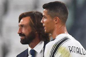 Pirlo cân nhắc bỏ Ronaldo khỏi hàng rào chống đá phạt