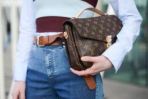 Cách Louis Vuitton, Prada và Cartier dùng công nghệ để chống hàng giả