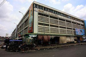Cảnh chợ hiu hắt những ngày phong tỏa ở Phnom Penh