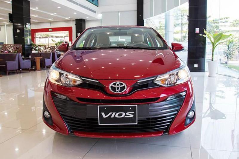 Toyota Việt Nam bán ra 6.679 xe, vẫn bị Hyundai cho 'hít khói'