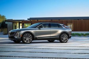 SUV điện Cadillac Lyriq 2022 chỉ hơn 1 tỷ đồng, 'đấu' Tesla Model X