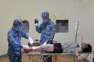 Đảo Đá Lớn cấp cứu khẩn cấp ngư dân bị tai nạn lao động