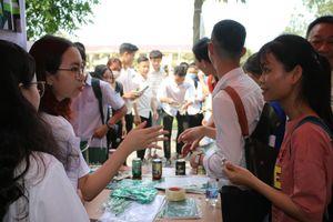 Huế: Hơn 600 học sinh đến từ 18 trường THPT hào hứng trong Ngày hội việc làm