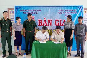 Thừa Thiên Huế: Khánh thành, bàn giao công trình phòng học và nhà Đại đoàn kết