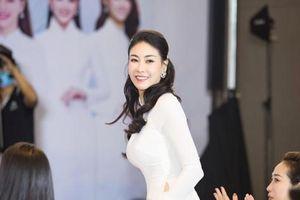 Hoa hậu Hà Kiều Anh đồng hành cùng CLB 'Suối mát từ tâm'
