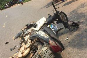 Hai xe máy 'đấu đầu', 3 người thương vong