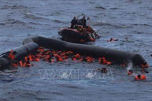 Phát hiện khoảng 10 thi thể cùng con thuyền bị đắm ở ngoài khơi Libya