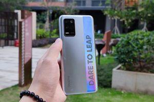 Smartphone chip S750G, RAM 8 GB, pin 'khủng', sạc siêu tốc, giá rẻ bất ngờ
