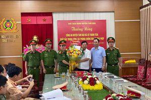 Vĩnh Phúc: Thưởng nóng Công an huyện Tam Đảo ngăn chặn các thanh niên tụ tập đua xe trái phép