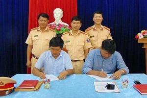 Doanh nghiệp vận tải Quảng Nam ký cam kết tuân thủ Luật Giao thông đường bộ