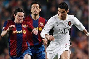 Ngày này năm xưa: Ronaldo đá hỏng phạt đền khi lần đầu đấu Messi