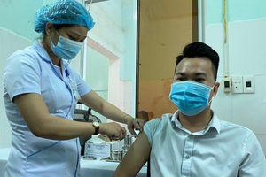 Quảng Nam, Quảng Ngãi, Đắk Lắk và Tiền Giang triển khai tiêm vaccine ngừa Covid-19
