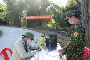 Đắk Lắk điều cán bộ y tế tới các đồn biên phòng để tiêm vaccine Covid-19
