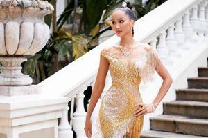 Hoa hậu H'hen Niê khoe vóc dáng nữ thần trong bộ váy xuyên thấu