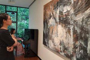 Triển lãm hơn 40 tranh trừu tượng của họa sĩ Nguyễn Dương