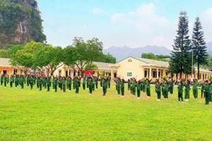 Thú vị hoạt động trải nghiệm 'một ngày làm chiến sĩ' tại Trung đoàn 246