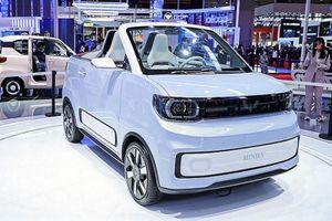 Wuling Hongguang Mini EV Cabrio - mui trần siêu rẻ tại Trung Quốc