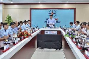 Phó chủ tịch UBND tỉnh Quảng Ngãi Trần Phước Hiền làm việc với PC Quảng Ngãi