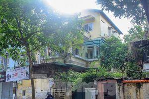 Loạt công trình biệt thự cổ ở Hà Nội bị 'biến đổi' công năng