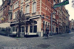 Bỉ: Các nhà hàng, quán càphê mở cửa đón khách trở lại