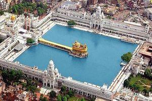 Ngôi đền được dát 100 kg vàng