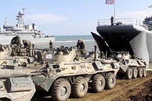 Binh sĩ, thiết giáp Nga ồ ạt rút khỏi biên giới Ukraine