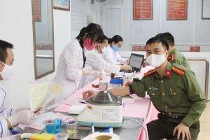 Chiến dịch 'Những giọt máu hồng - hè 2021' đặt mục tiêu tiếp nhận 530.000 đơn vị máu