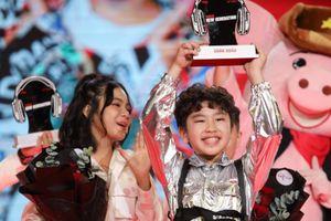 Cậu bé 10 tuổi biết sáng tác thắng Giọng hát Việt nhí 2021