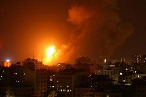 Iron Dome phóng loạt đạn đánh chặn...1 tên lửa từ Gaza