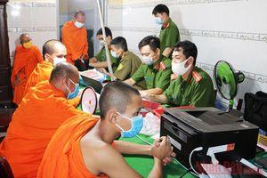 Cấp căn cước công dân cho đồng bào Khmer ở Kiên Giang