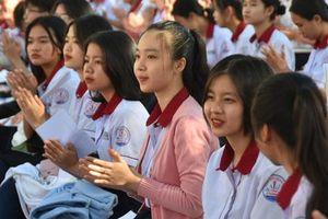 'Đưa trường học đến thí sinh' Bình Thuận: Tâm lý học có phải là ngành khua môi múa mép?