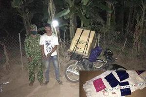 Quảng Trị: Bắt quả tang đối tượng vận chuyển 2.000 viên ma túy qua biên giới