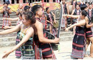 Độc đáo Lễ hội mừng lúa mới của đồng bào Cơ Tu tỉnh Quảng Nam