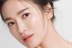 Song Hye Kyo vướng ồn ào trang phục: Phong cách giản dị hay 'Siêu giàu siêu tiết kiệm'?