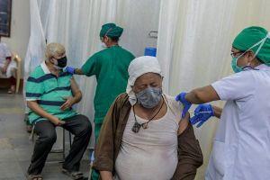 Hãng bay Trung Quốc ngừng chở vật tư y tế đến Ấn Độ
