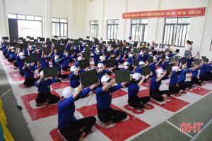 Sôi nổi thi 'Rung chuông vàng' tìm hiểu về bầu cử ở Trường THPT Nguyễn Đổng Chi