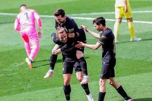 Griezmann tỏa sáng đưa Barcelona đánh chìm 'Tàu ngầm vàng'