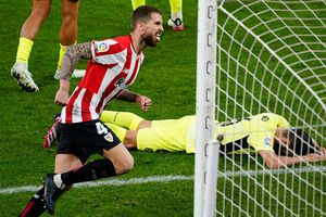 Atletico trao cơ hội lên đỉnh bảng La Liga cho Barca