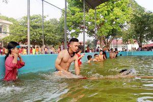Bắc Giang: Khởi động các lớp dạy bơi cho học sinh tiểu học