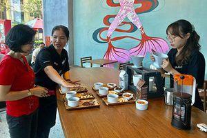 Khai trương chuỗi cửa hàng Starbucks đầu tiên tại Nha Trang
