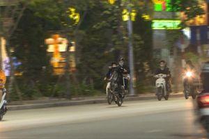 Phạt hàng trăm đối tượng 'biểu diễn gây họa' trên đường phố TP Hạ Long