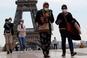 Nhiều nước châu Âu nới lỏng việc chống dịch bất chấp tình hình vẫn nghiêm trọng
