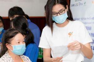 Hoa hậu Tiểu Vy, Đỗ Hà hành động 'đẹp' hướng tới Quốc tế lao động 1/5