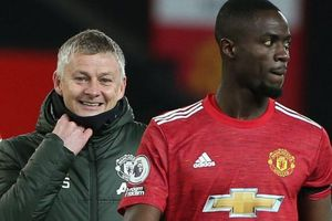 Bailly quay ngược thái độ với Man Utd