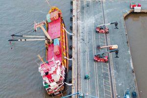 Xác định nguyên nhân 18 container rơi xuống sông Soài Rạp