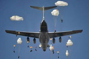 NATO nể sợ cuộc tập trận 2000 quân nhảy dù cùng một chỗ của Nga