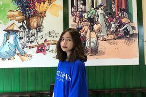 Từ lớp học tiếng Anh 'xuyên biên giới' đến ước mơ của cô học trò miền núi